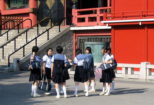 Школьницы из Японии. wikimedia