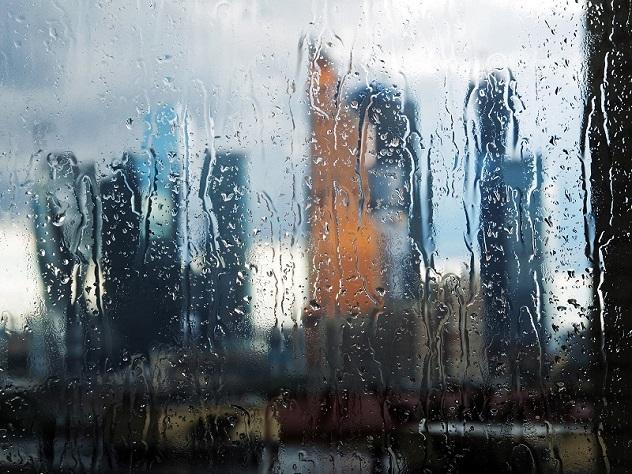 Синоптики: Москвичи ввыходные окажутся вовласти циклонической депрессии