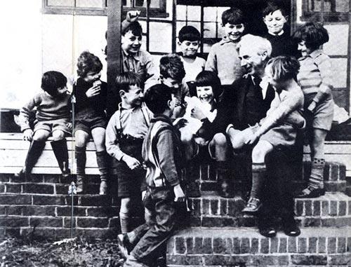 Ученикам Бертрана Рассела нравятся его гуманистические взгляды. Beacon Hill School / wikimedia