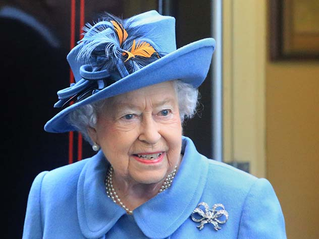 ЕлизаветаII стала самой старый главой государства вмире после отставки Мугабе