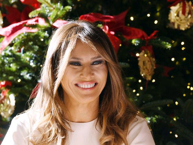 Меланья Трамп показала, как Белый дом украсили по случаю Рождества