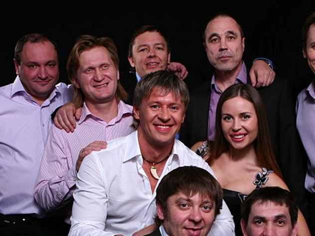 Актеры «Уральских пельменей» требуют сэкс-директора 28 млн руб.