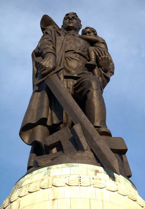 Монумент в Трептов-парке. Берлин. Фото: wikipedia / Sly07192909