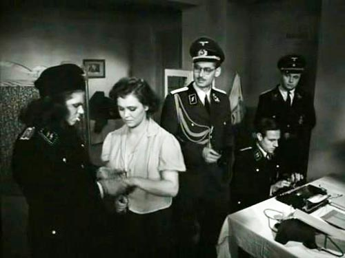 Кадр из фильма «Часы остановились в полночь» (1958 г.), в основу которого легла история убийства Кубе