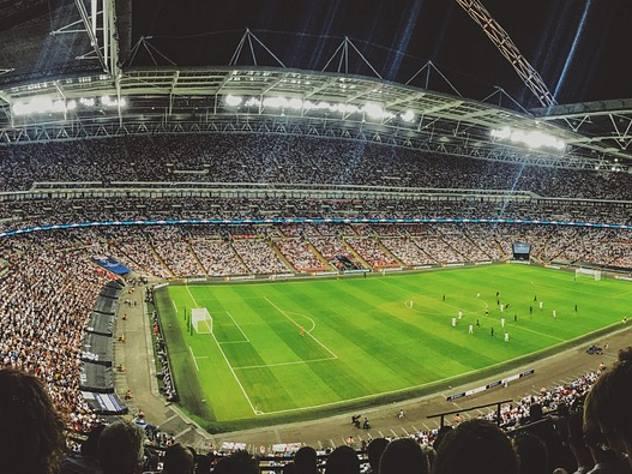 После неудачных товарищеских матчей со стартом домашнего чемпионата мира футболисты сборной России должны пересмотреть свою игру на поле