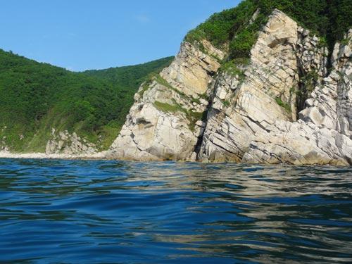 Российское побережье Японского моря. Фото: wikimedia.org