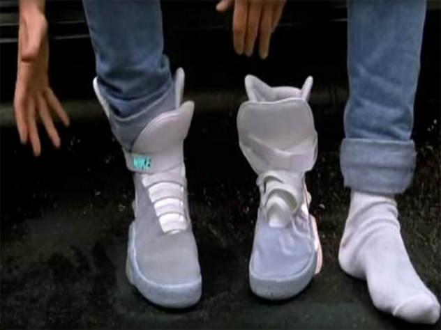 Ветхий кроссовок из фильма «Назад в будущее» продан за 92 тысячи долларов