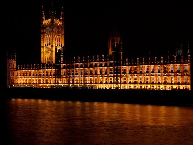 Британская полиция заявила об участии двух человек в отравлении Скрипалей