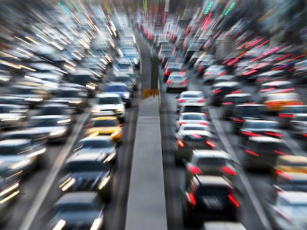 Ученые нашли способ борьбы с «фантомными заторами» на дорогах