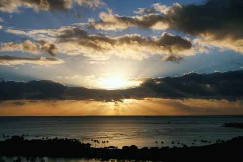 Закат над Гонолулу. Источник: pixabay.com
