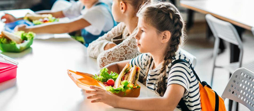 родители больше не смогут давать детям еду в школу