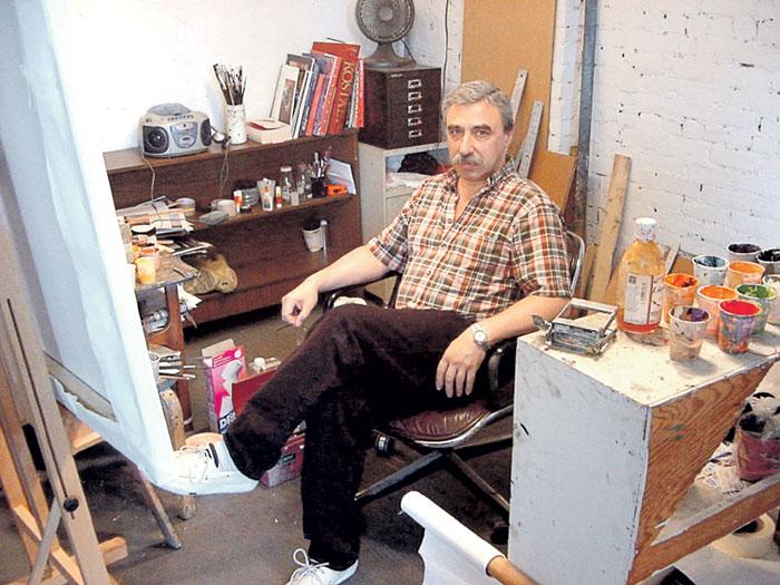 Юрий Яковлевич часами пропадал в домашней мастерской