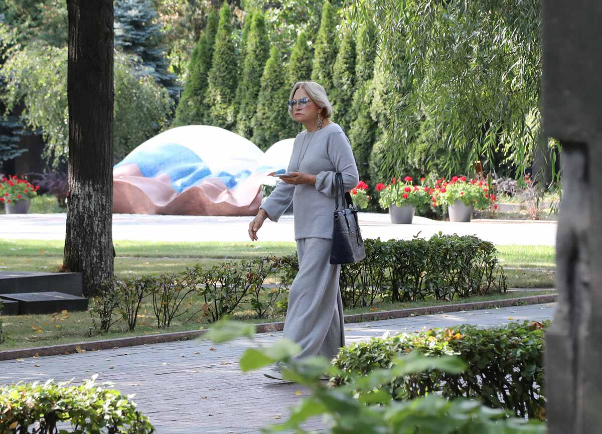 https://s8.cdn.eg.ru/wp-content/uploads/2019/09/lyudmila-maksakova-4044047.jpg