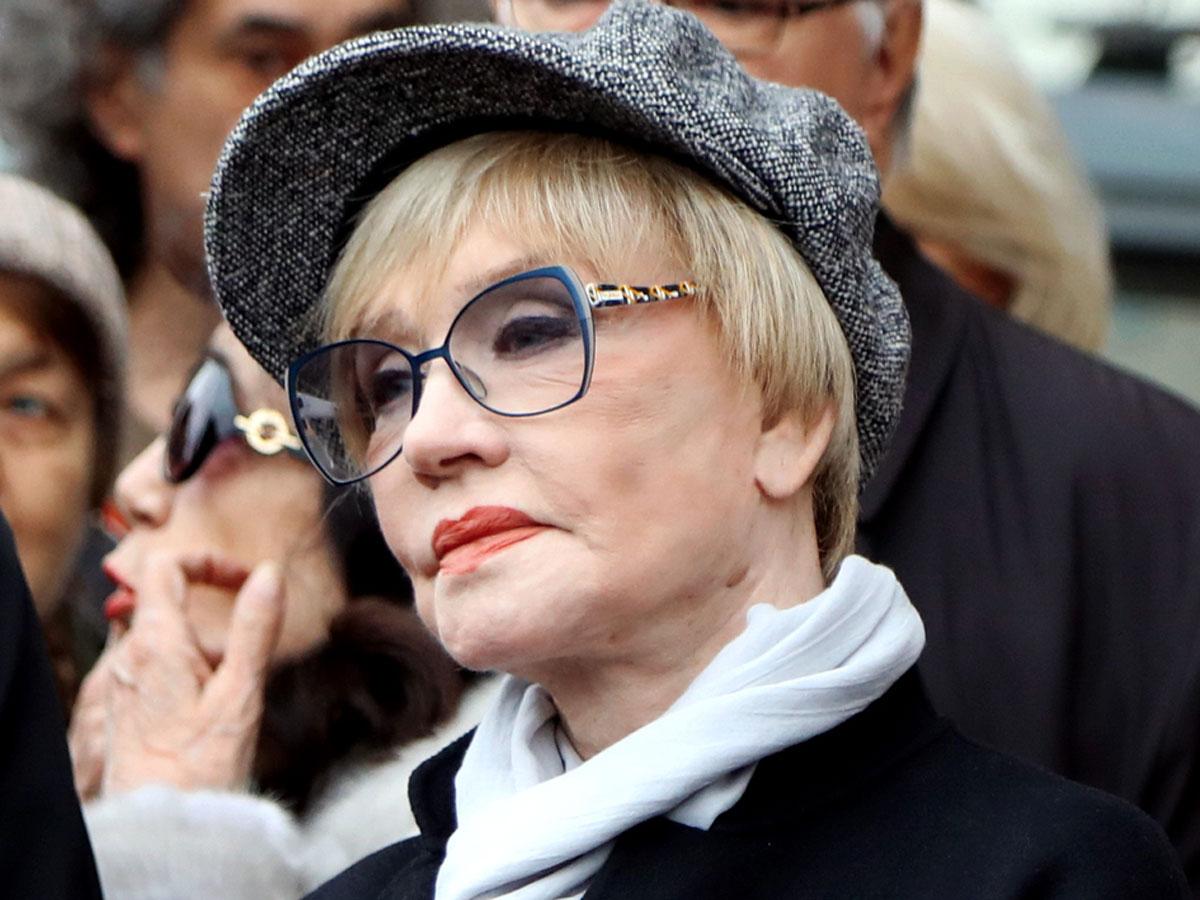 Брюнетка с косой: Юлия Меньшова показала редкое фото Веры Алентовой