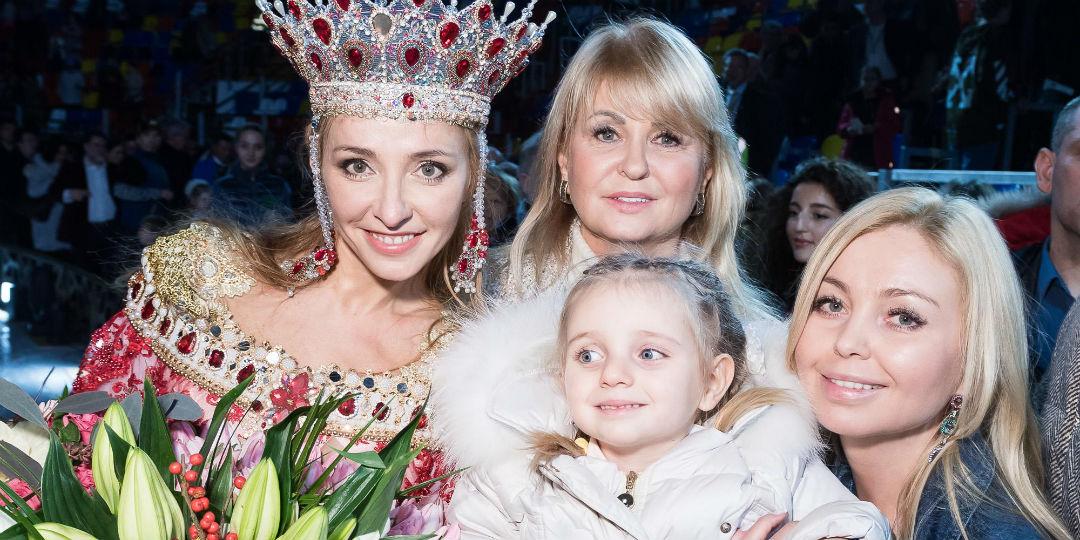 Татьяна Навка с мамой