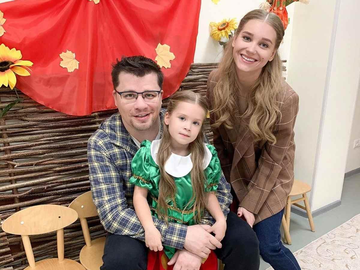 Гарик Харламов показал фото с дочкой