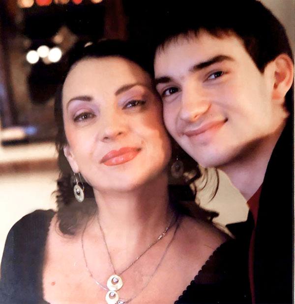 Мама и брат Андрея Бурковского