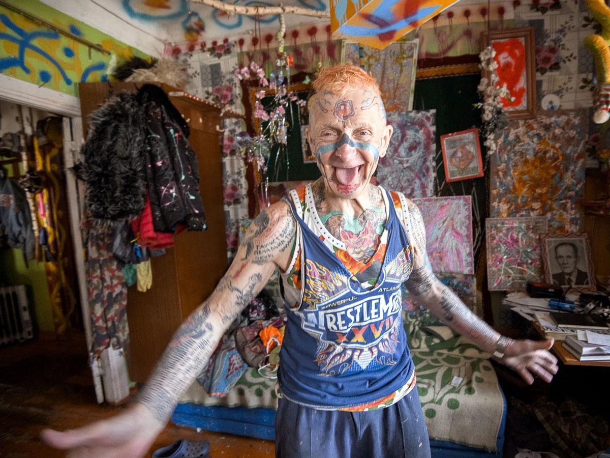 Дедушка с татуировкой батона: сколько зарабатывают в тату-бизнесе