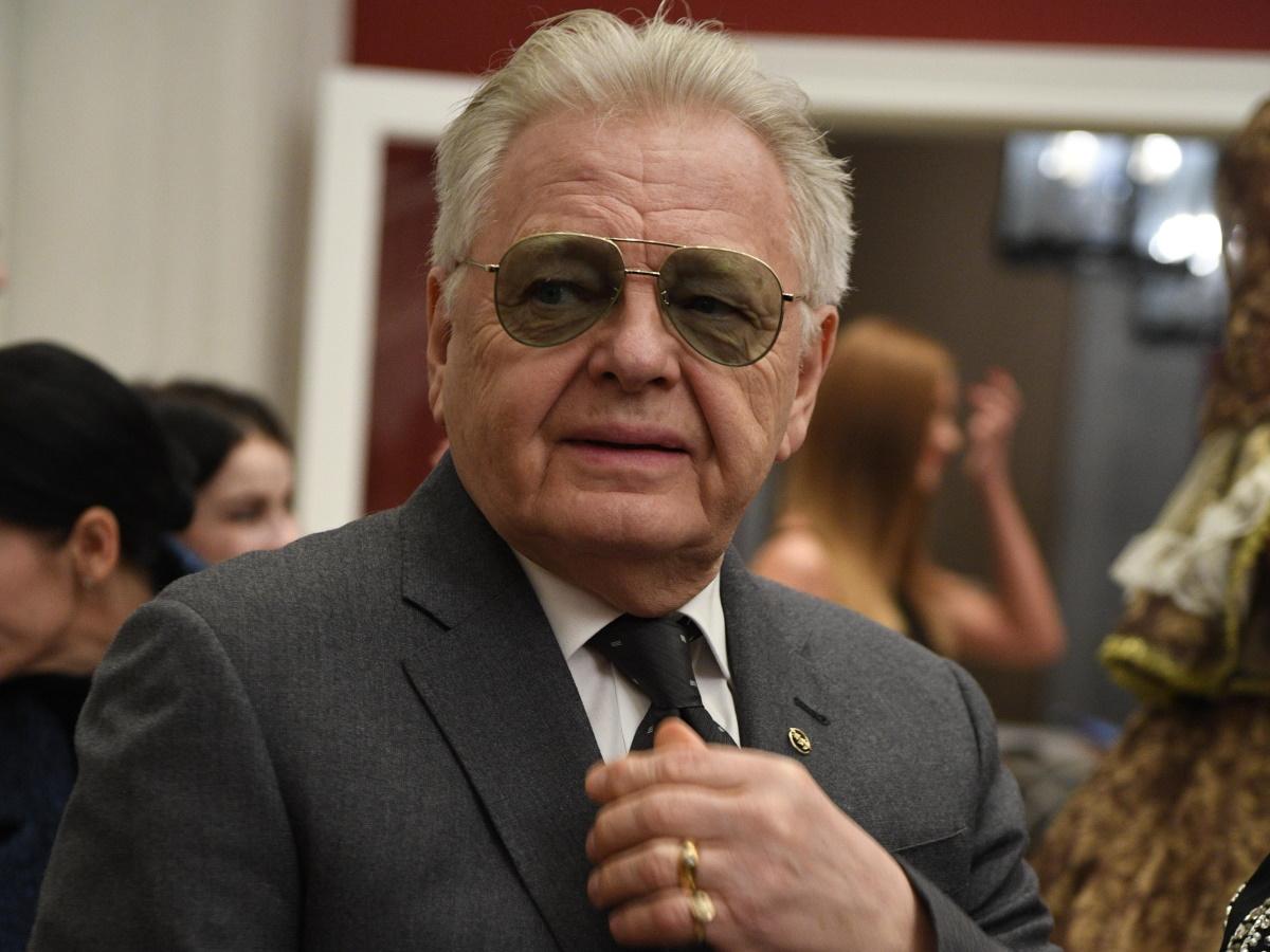 76-летнего Юрия Антонова экстренно прооперировали в Австрии
